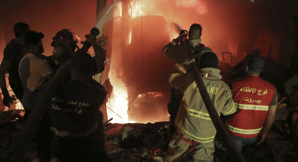 «Услышали крики, здания встряхнуло». Мощный взрыв потряс город, военные уже там: есть погибшие и раненые