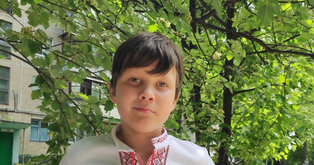 У мальчика диагностировали злокачественную опухоль. Олег нуждается в помощи на лечение
