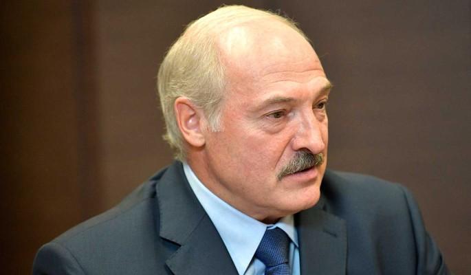 Транзит власти. Лукашенко в истерике — это произошло, он в СИЗО. Отставка — белорусы шокированы