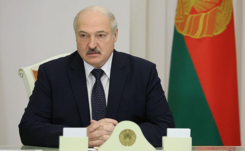 «Передать полномочия!» Лукашенко сделал резонансное заявление — услышали все. Беларусь трясет
