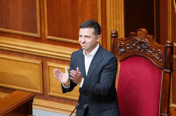 Сразу после выборов! У Зеленского похвастались результатами — почти 5 миллионов. Страна на ногах