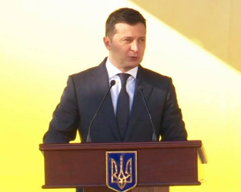 Только что! Зеленский сделал это — украинцы ждали. Ломает старые схемы — все для людей. Просто браво!