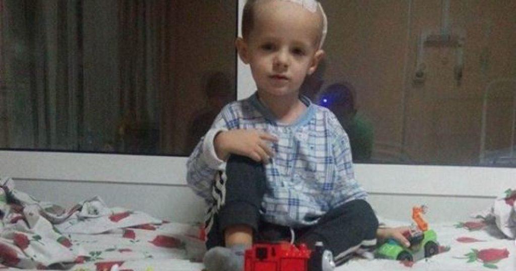 Уже три года борется за жизнь. Опухоль в мозгу поставила жизнь 5-летнего Максима под угрозу