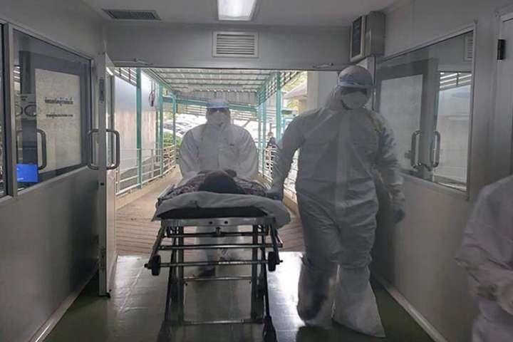 «Просто под дверью больницы»: от коронавируса скончался известный украинец. Родные шокированы — пустота и печаль ….