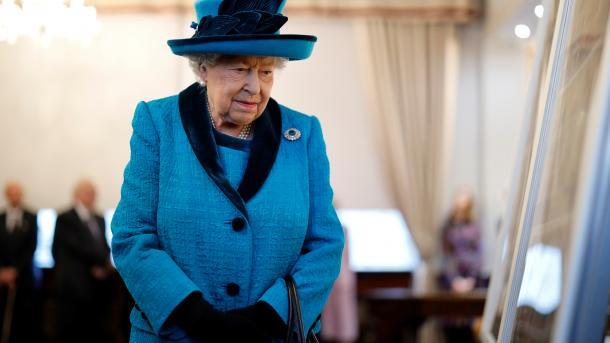 Королева в отчаянии! Ужасная весть подкосила семью, «почувствовала сильную боль». Невыносимое горе: потеряли