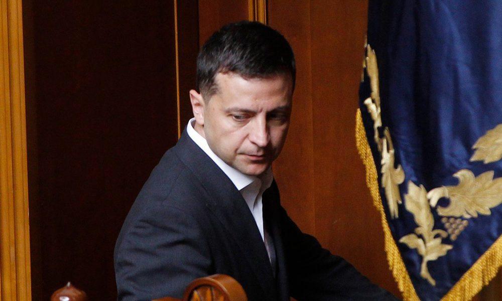 Скандал с КСУ! Зеленский провернул неожиданный трюк: судей обвели вокруг пальца. Досталось