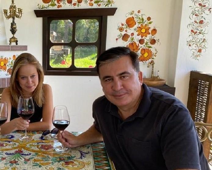 Только что! Фото слили — Саакашвили со «слугой народа»: неожиданно! Младшая на 22 года — политики шокировали