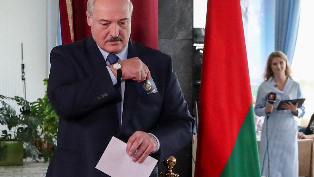 На глазах у послов! Лукашенко взорвался — только один путь. Страна замерла: не в состоянии оправдать