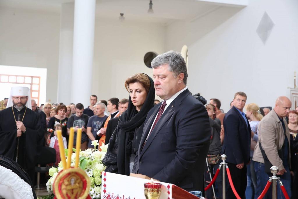 «Сегодня перестало биться сердце …»: Страшное горе в семье Порошенко — умерла от коронавируса