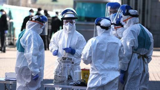 Наденьте эти чертовы маски и носите их! Известный украинский врач гневно обратился к украинцам. Не подвергайте!