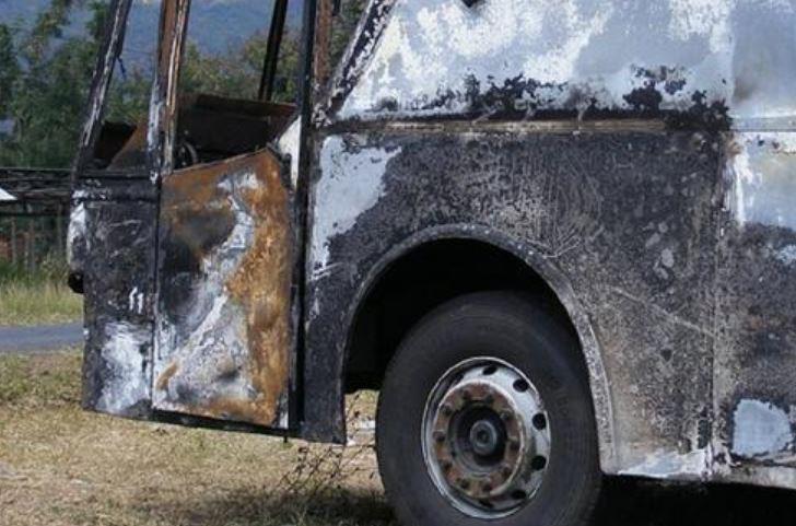 После празднования Рождества! Жуткая авария — автобус столкнулся с грузовиком. 37 смертей — Ужас!