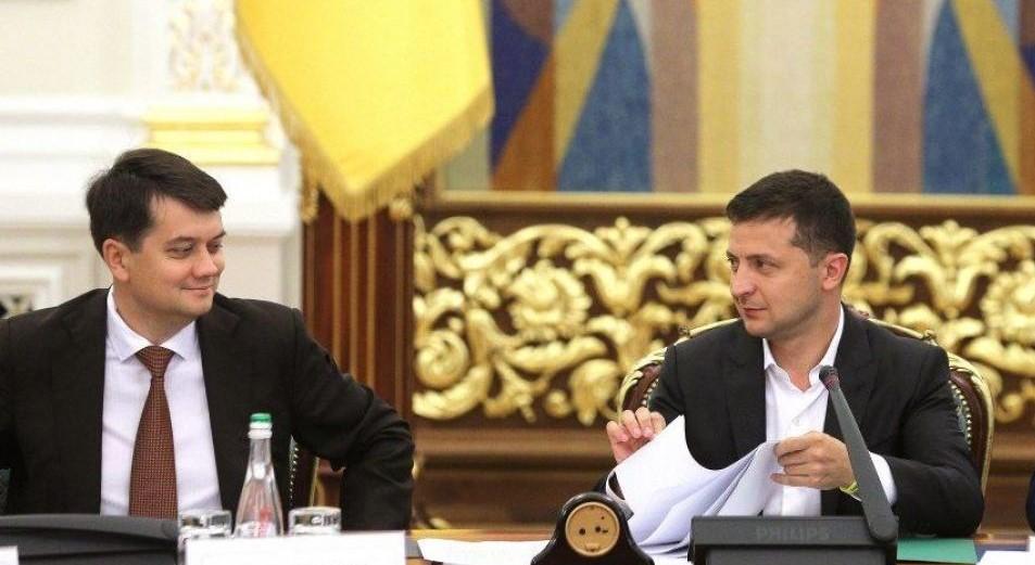 Украинцы аплодируют! Деньги будут — закон уже подписан. Зеленский сделал это — Браво!