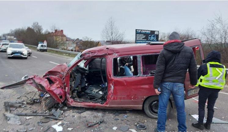 Машины разлетелись вдребезги. Страну потрясло трагическое ДТП — сразу 4 машины: есть погибшие и раненые