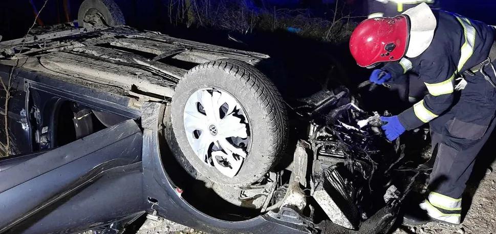 В полночь! Страну потрясло трагическое ДТП — есть жертвы. Жуткие детали: пришлось «вырезать» из машины