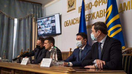 Впервые за годы независимости! Визит Зеленского на Прикарпатье закончился скандалом. Украинцы возмущены!
