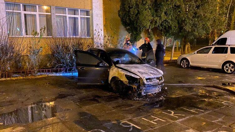 Среди ночи! Город всколыхнула тревожная весть — сожгли авто! Украинцы в шоке, «поплатился»: неожиданные детали