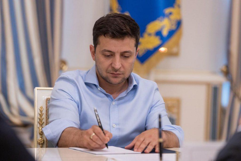 В эти минуты! Зеленский подписал — важные изменения, развитие будет. Украинцы аплодируют — эффективный диалог