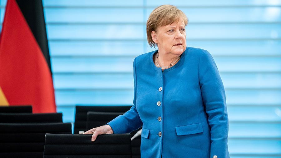 В эти минуты! Меркель сообщили, соратники сделали это — новый руководитель. Услышал каждый: «свой» человек