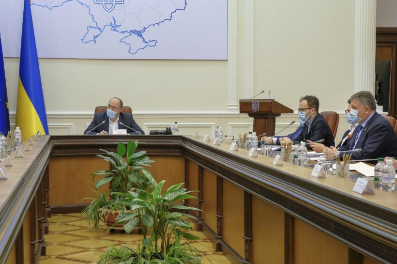 Просто на заседании! Кабмин назначил их — скандальные чиновники получили высокие должности. Украинцы шокированы!