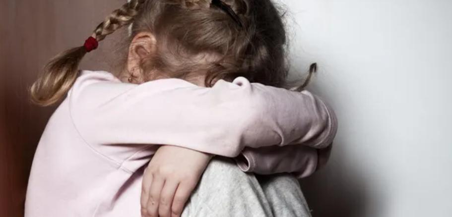 Шокирующее преступление! 11-летняя девочка родила от пенсионера. «Регулярно насиловал»