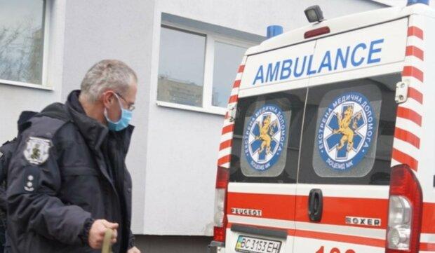 Жуткая трагедия случилась с семьей во Львове, троих детей до сих пор спасают врачи: подробности ЧП