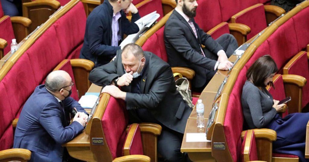 ОПЗЖ «отличилась»! Прямо в Раде — депутаты ошеломили. Украинцы не ожидали — штраф!