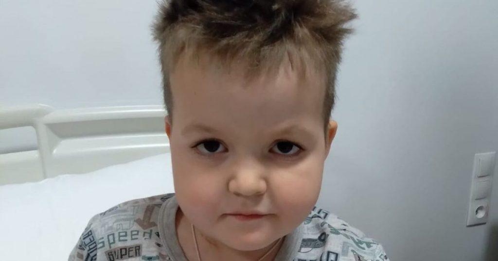 6-летний Максим уже в третий раз борется за свою жизнь с онкологией и нуждается в помощи