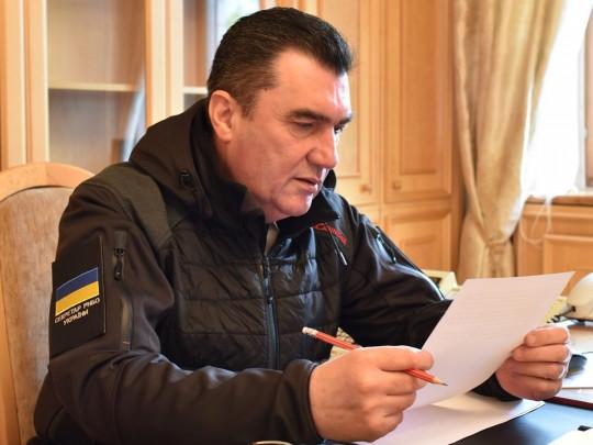 Вынужденный шаг! Данилов не стал молчать — хочу посмотреть на этого человека. Сделали все возможное — страна на ногах