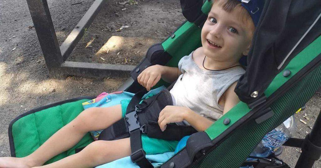 Десятки тысяч гривен нужно собрать на каждую реабилитацию для маленького Тимофийка
