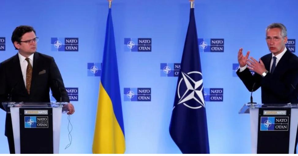 Просто во время брифинга! Столтенберг выдал- не позволят. Курс на НАТО взято — важный момент