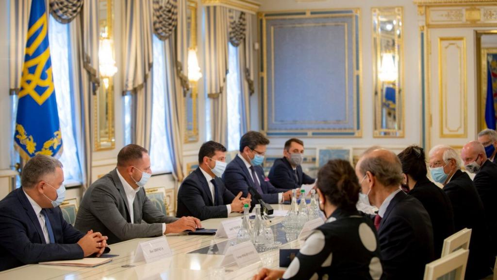 Украина в ЕС! Сразу после заседания — у президента сделали это: сдерживание Москвы — новые санкции, Путина предупредили! Им конец