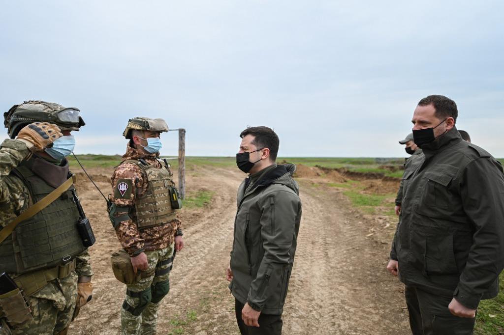 Срочно! Прямо на передовой — Зеленский вместе с военными, армия готова — важное заявление!