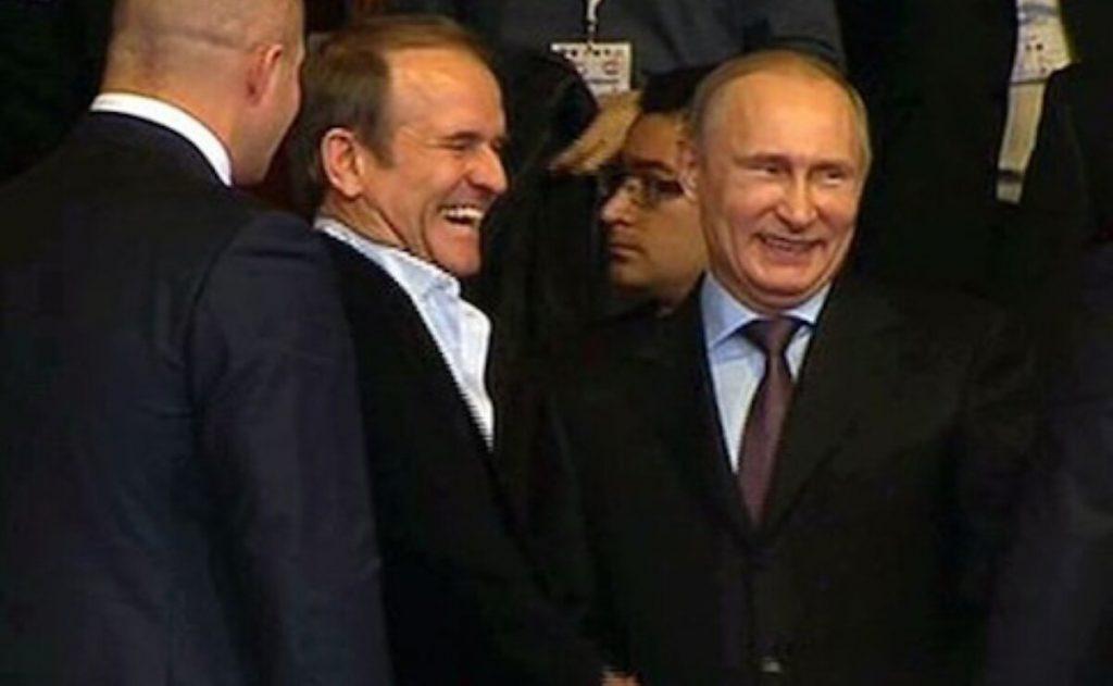 В сеть «слили» новый разговор Медведчука с российским чиновником