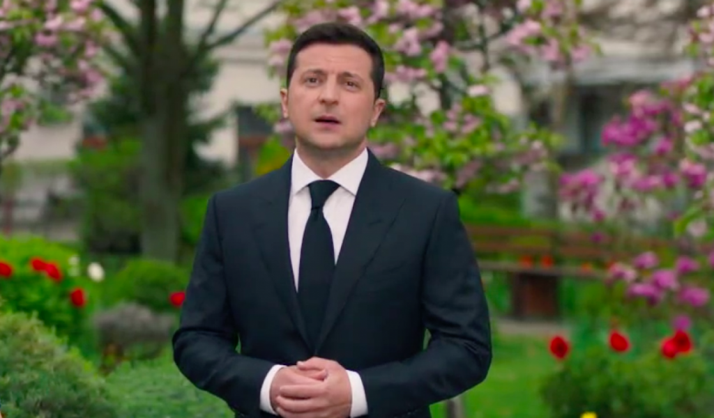 Зеленский обнародовал видеообращение ко Дню памяти и примирения