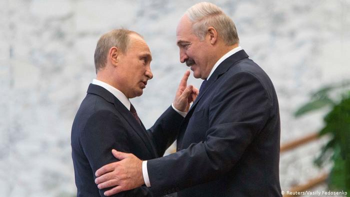 Путин снова занялся шантажом Запада-политолог.