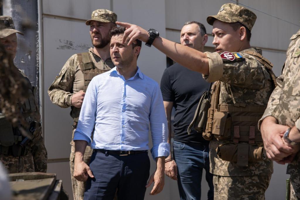 В Украине необходимо повысить контроль над расходами на оборону – политолог