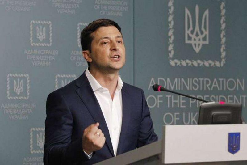 На Зеленского подал в суд один из лишенных гражданства «контрабандист», чтобы отменить указ президента