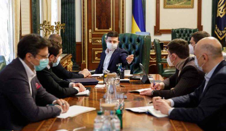 Незаконный захват жилья в ОРДЛО может усилить антироссийские санкции — Арестович