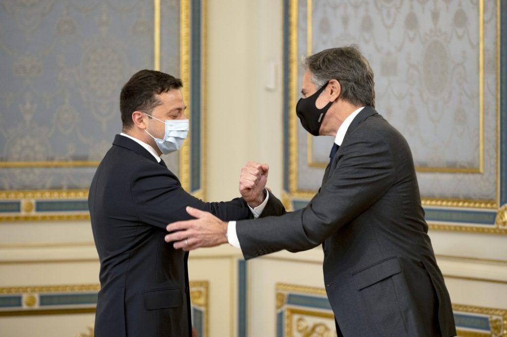 Блинкен заявил Лаврову, что США ответят на агрессию России
