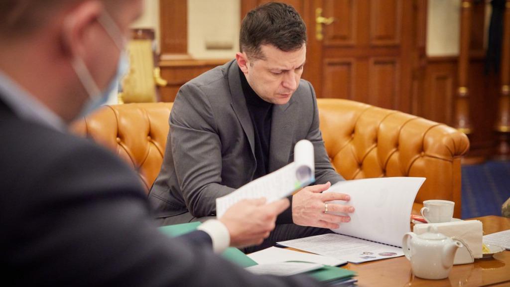 У Зеленского уволили двоих заместителей министра