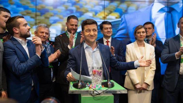 Подведение итогов: что обещала команда Зеленского и как выполняются эти обязательства