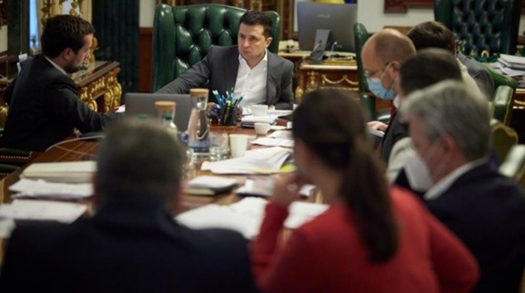Недопустимо! Зеленский категоричен — уволить чиновников. После совещания — такого быть не должно!