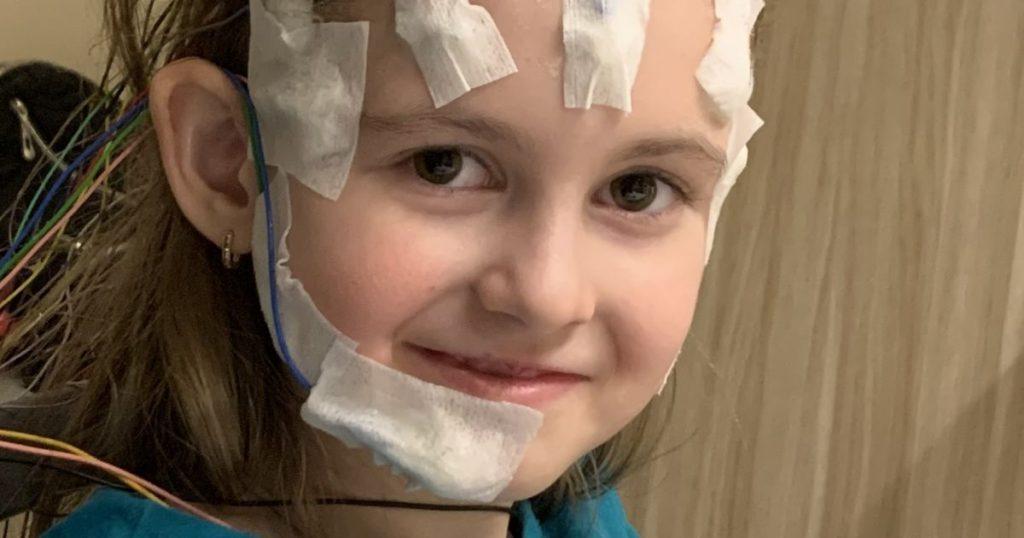 До 90 приступов в день: 7-летняя Камилла требует немедленной операции, чтобы избавиться эпилепсии