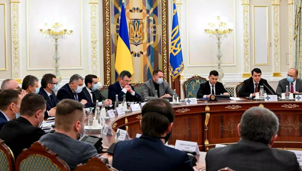 Только что! Просто на СНБО — ввели санкции против Фирташа и Фукса: Данилов сделал мощное заявление!