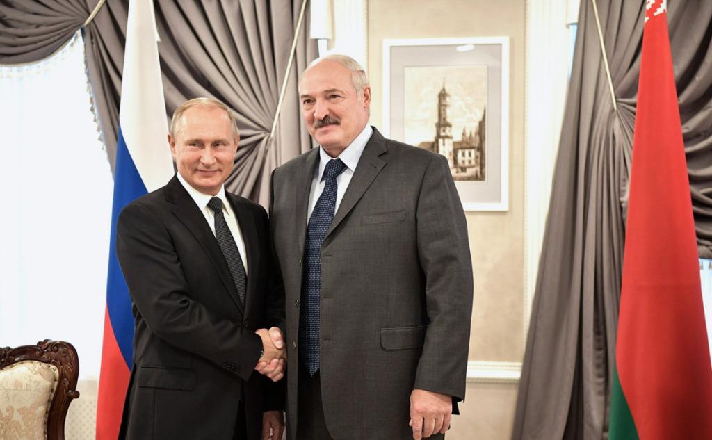 Путин осуществляет «осторожную аннексию Беларуси»! Лукашенко полностью утратил самостоятельность: шокирующее заявление