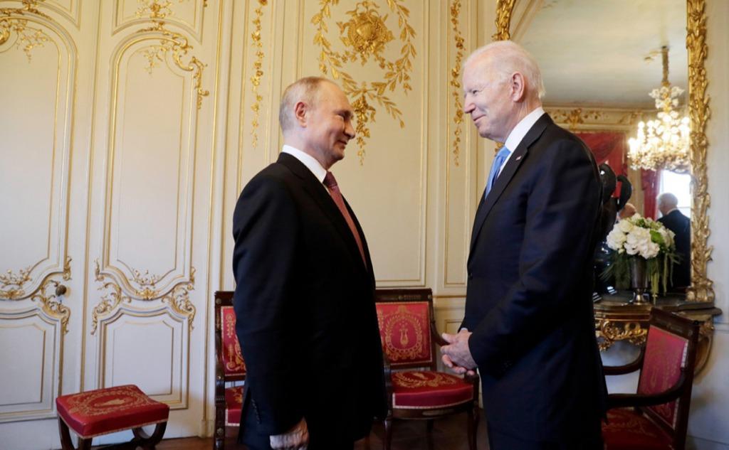 В эти минуты! Путин дает пресс-конференцию после встречи с Байденом: о чем говорили?