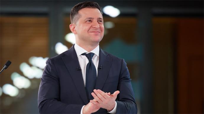 Зеленский ввел в действие решение СНБО: санкции против российских банков