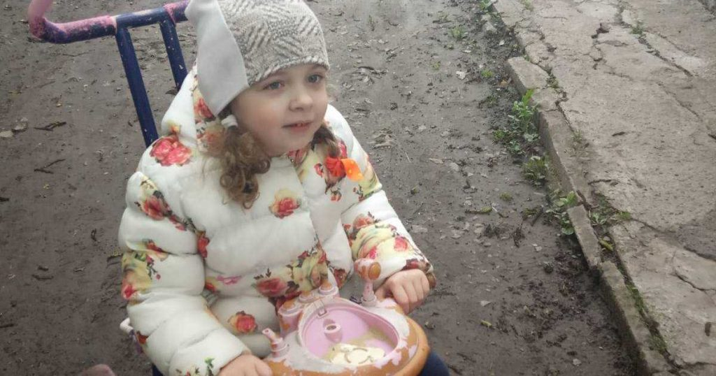 Дорогостоящее обследование и реабилитация нужны для маленькой Анечки