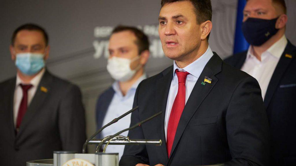 Просто в столовой Рады! Тищенко с кулаками напал на депутата: схема разоблачена — сотни миллионов бюджетных средств!
