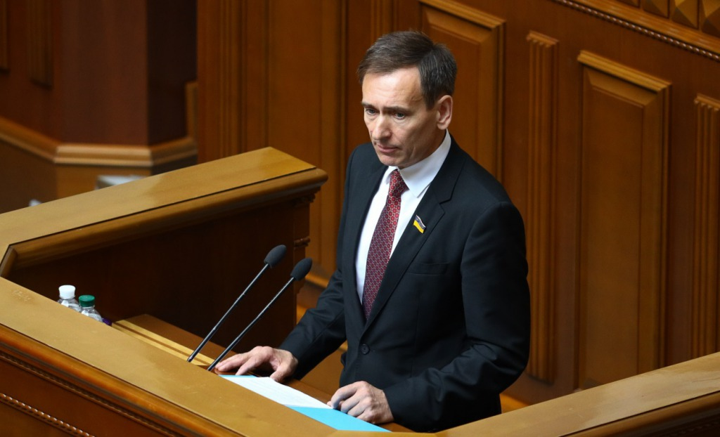 «Бурные политические фантазии»,-представитель президента в КСУ о досрочных президентских выборах.